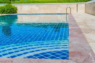 piscina antideslizante
